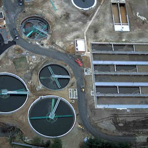 Various tanks and ponds of the wastewater treatment plant in Cambridge, Maryland. (Photo courtesy of A. Jones, IAN).